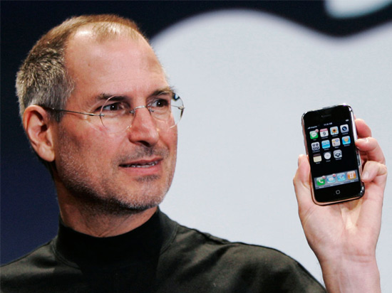 steve-jobs-iphone-acens-blog-cloud