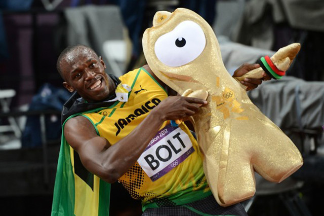 usain bolt celebra medalla de oro - blog acens the cloud hosting company